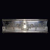 Boite à gants en métal argenté à décor gravé vers 1900
