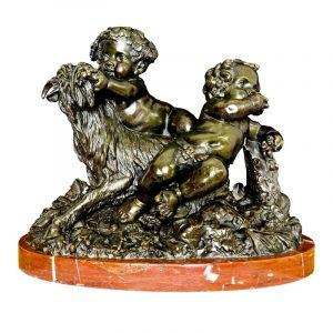 D'après Clodion Putti vendangeurs vjouant avec une chèvre bronze fin XIX ème