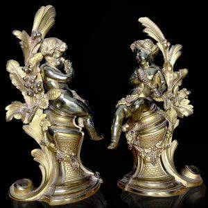 Paire de chenets puttis vendangeurs bronze