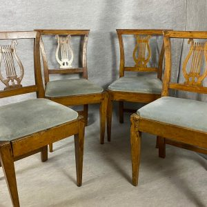 4 chaises dossier Lyre