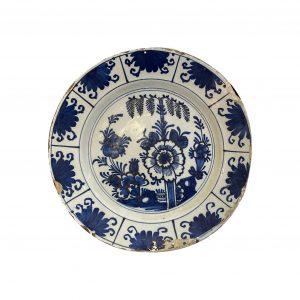 Plat faïence Delft XVIIIe