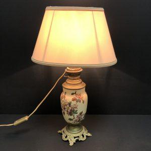 Lampe à pétrole faïence electrifiée