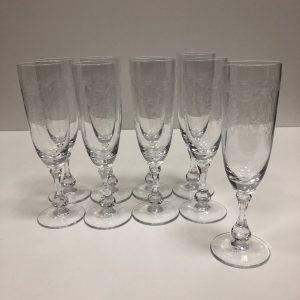 9 flûtes cristal de Sevres