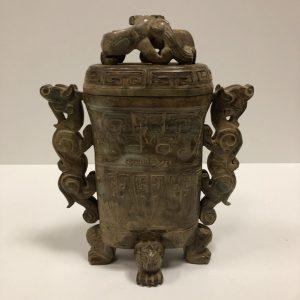 Pot couvert pierre dure Chine