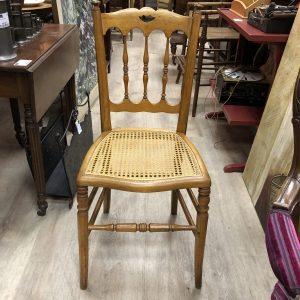 Suite de 5 chaises cannées XIXe