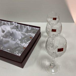 6 verres à pieds en cristal