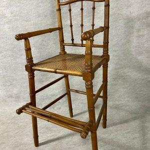 Chaise d'enfant cannée